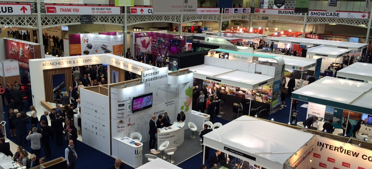 Exhibition Hall 790 X 296